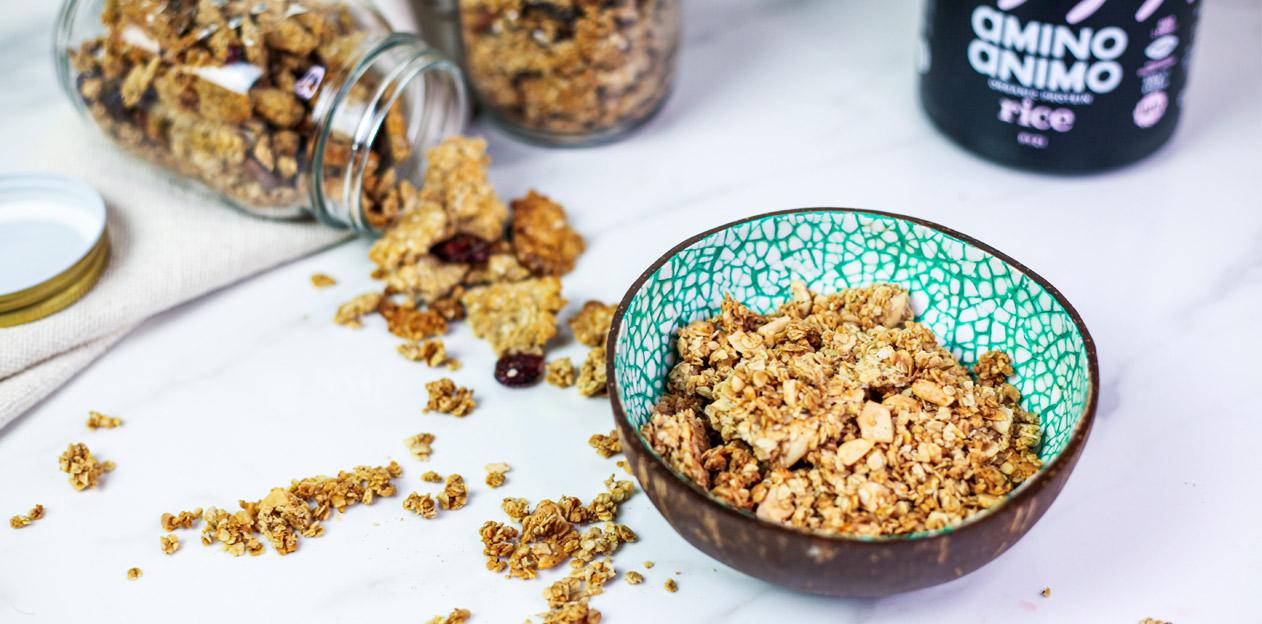 granola γκρανόλα πρωινό